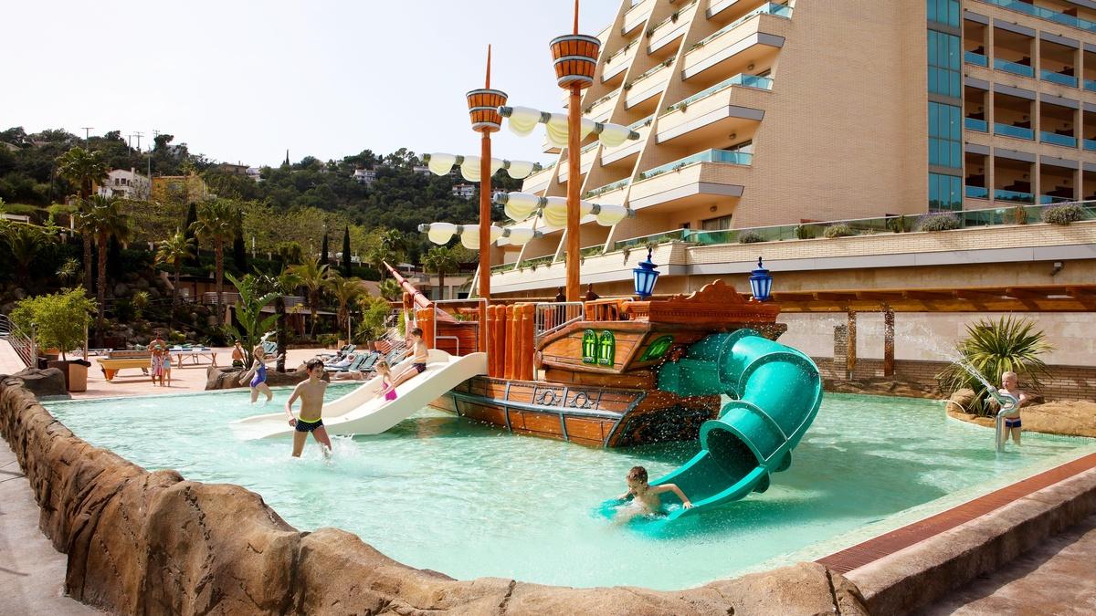 Hotel familiar con piscina y Spa en Tossa de Mar Costa Brava