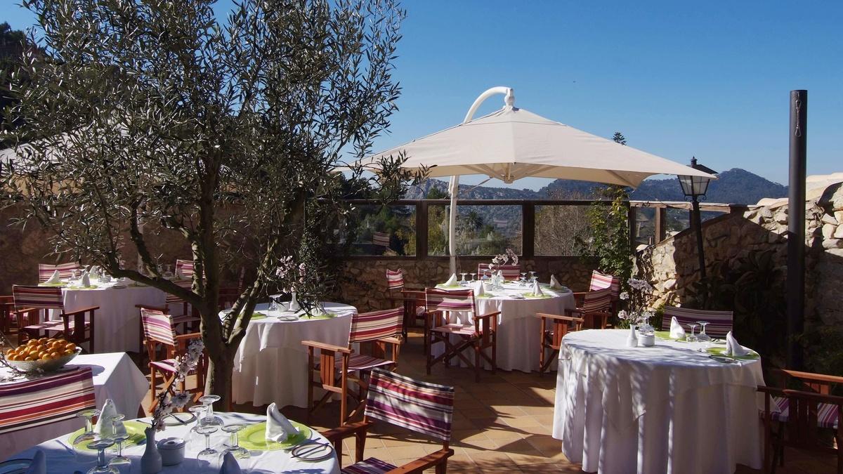 Restaurant mit Terrasse | Hotel Rural Es Recó de Randa – Randa ...