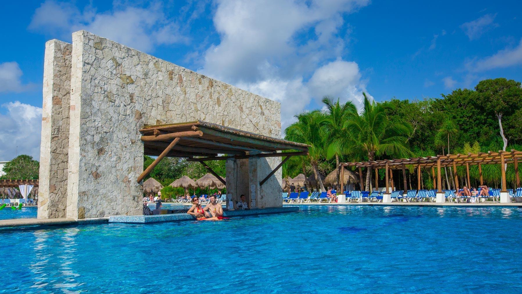 Grand Sirenis Riviera Maya Room Service