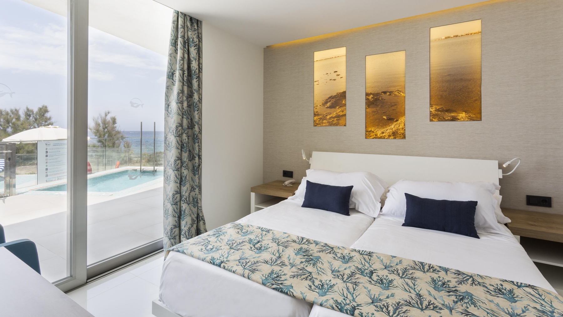 Master Suite Bedroom Master Suite Deluxe 2 Bedrooms Whirlpool