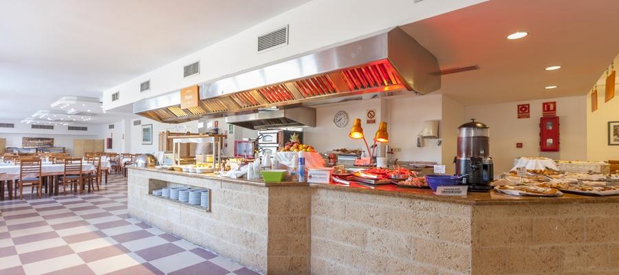 Sirenis cala llonga resort pool picture of sirenis cala llonga - Restaurants Amp Bars