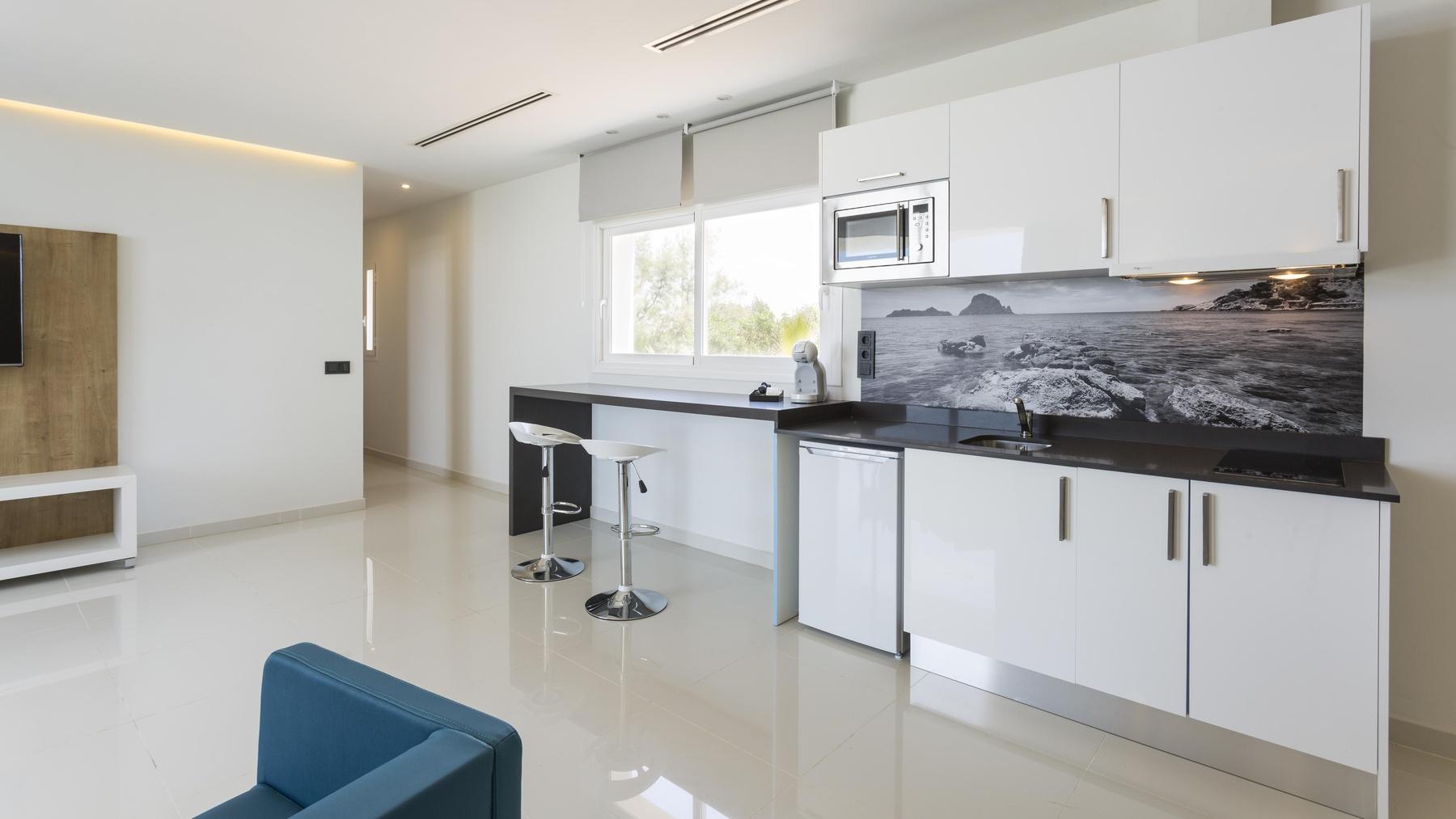 Deluxe Master Suite 2 bedrooms, roof terrace