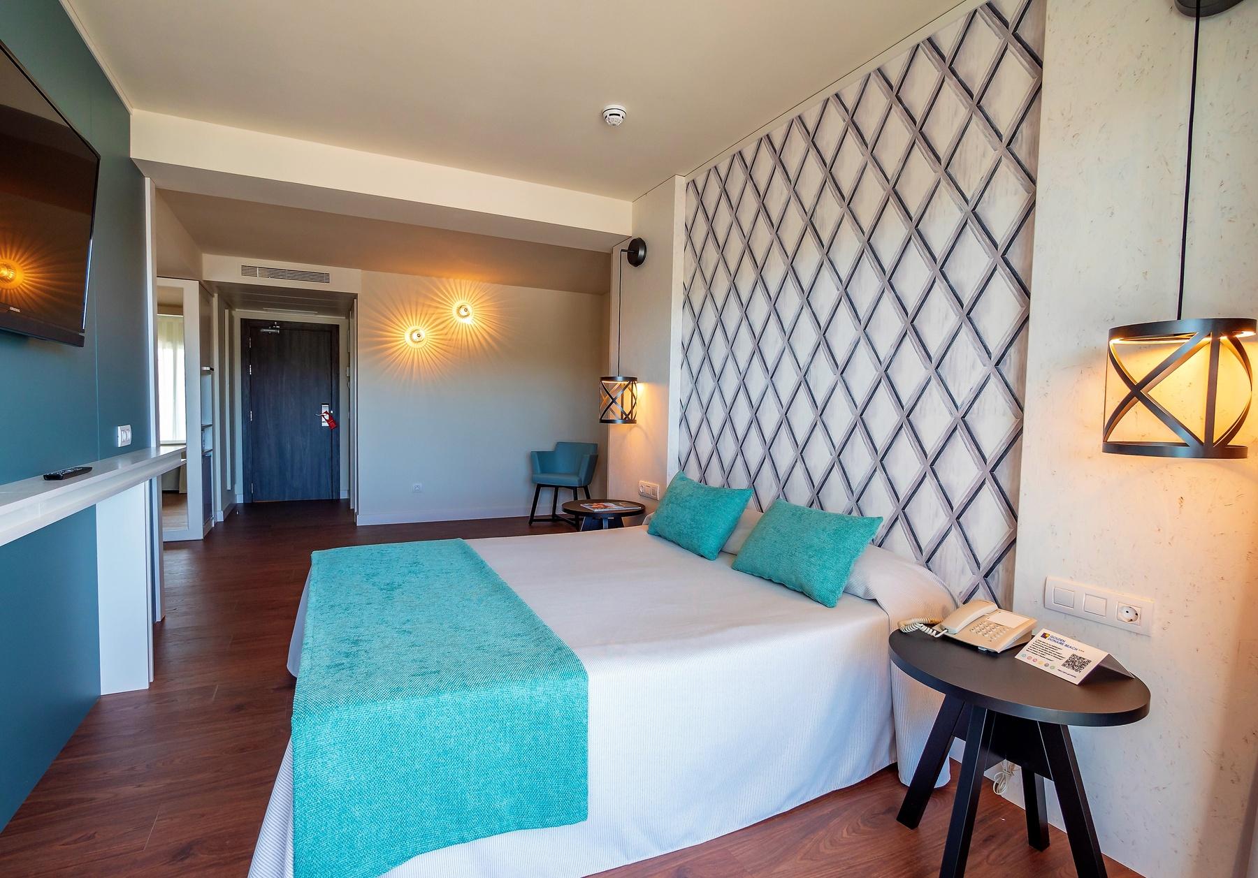 hotel con habitaciones familiares en playa de salou costa