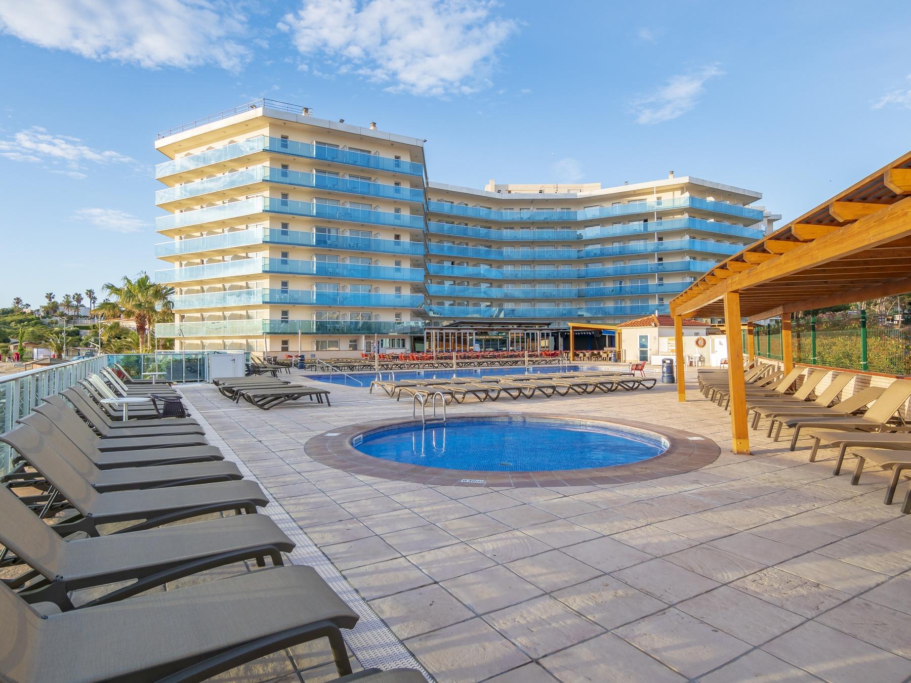Hotel con habitaciones familiares en playa de salou costa for Hoteles playa con habitaciones familiares
