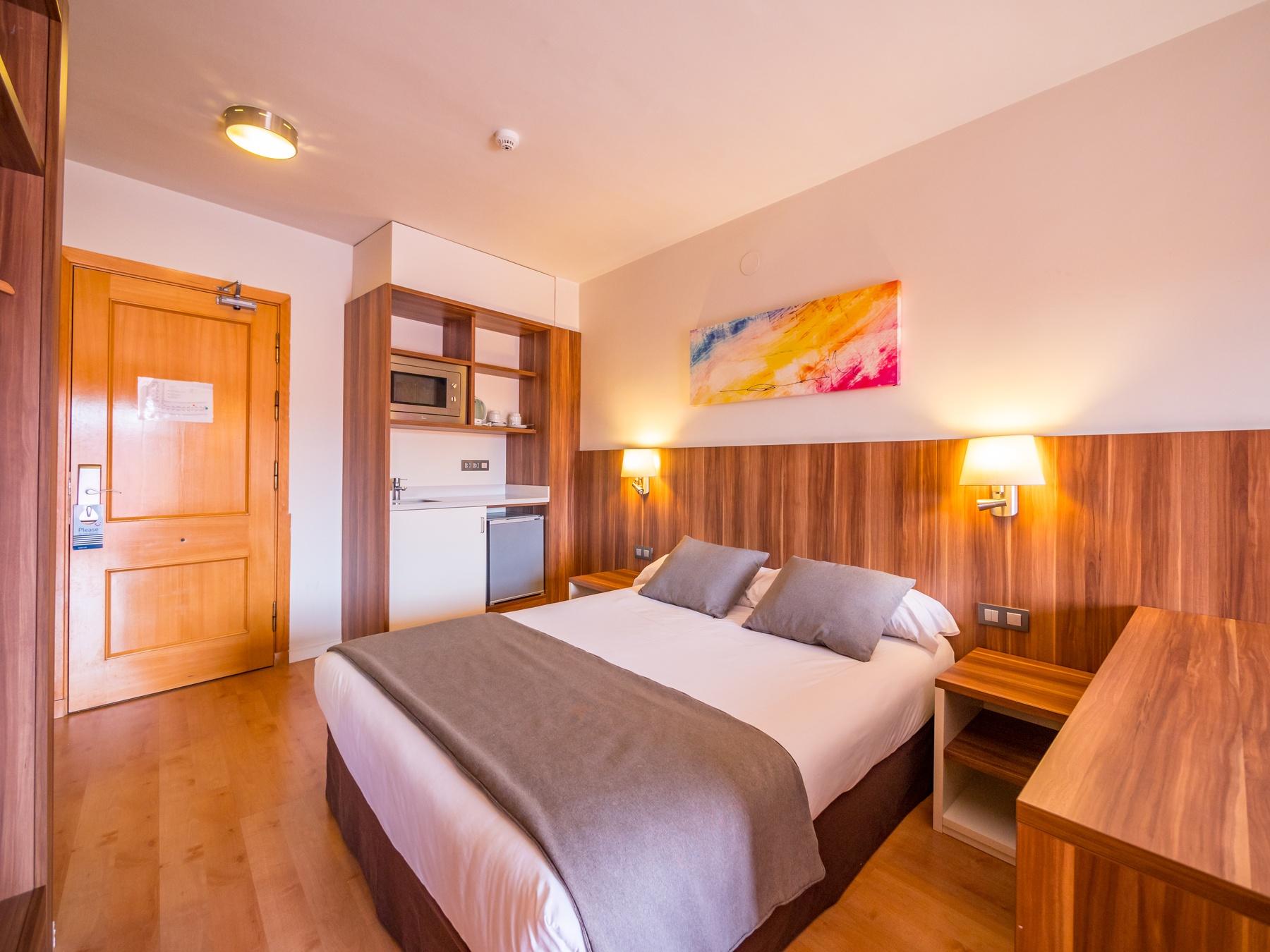 hotel avenida suites habitaciones familiares en salou