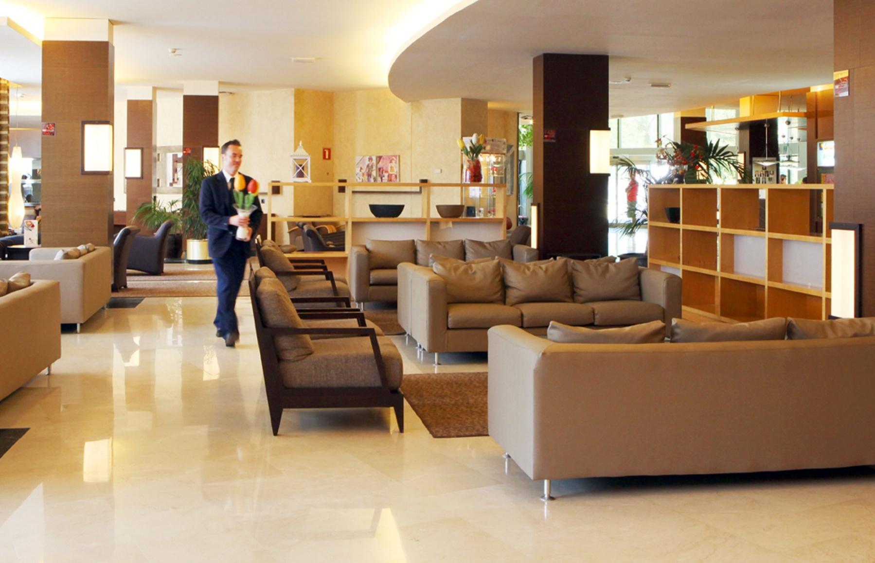 hotel con habitaciones familiares actividades con ni os