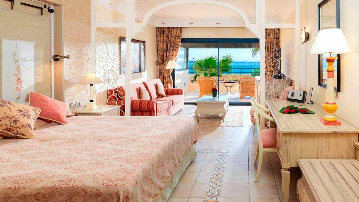 Fuerteventura corralejo beach hotel junior suite for 2 bedroom terrace suite atlantis