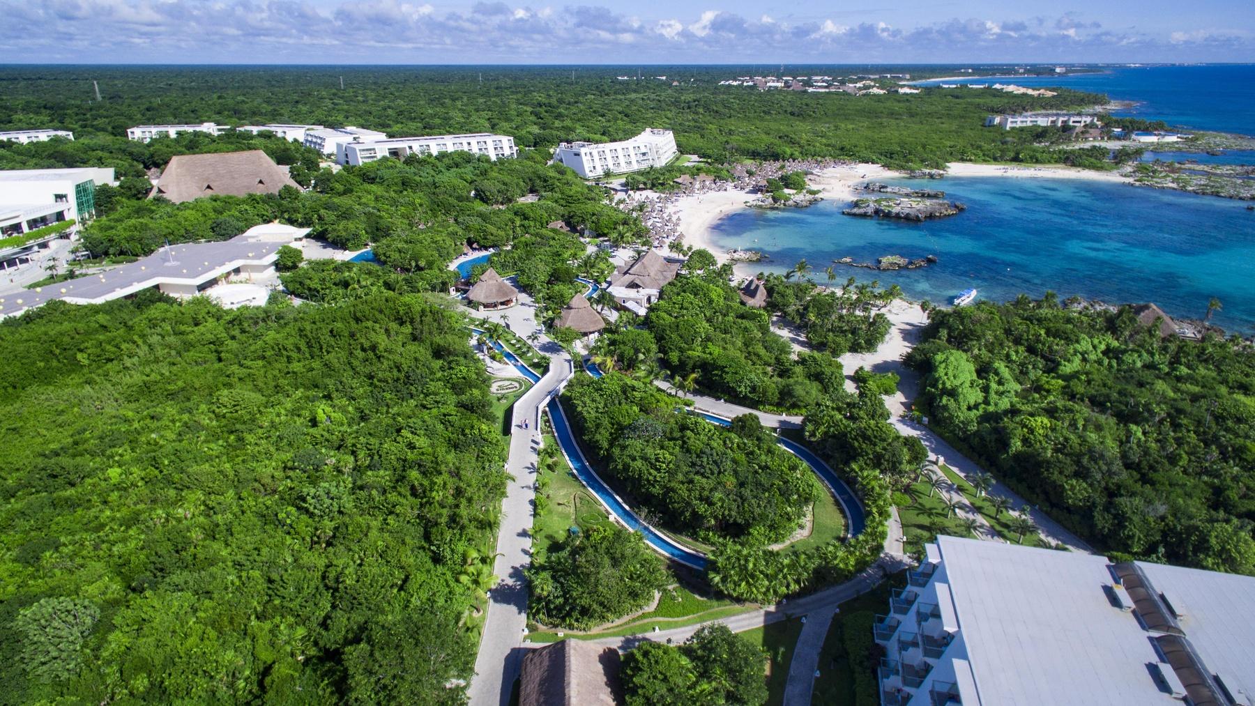 grand sirenis mayan beach. Black Bedroom Furniture Sets. Home Design Ideas