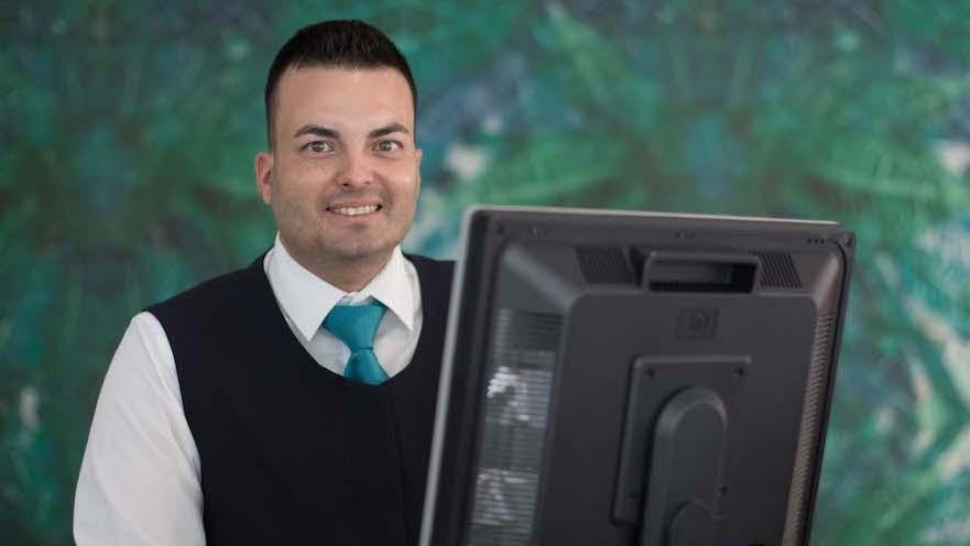 Daniel Pérez, ayudante de recepción en Mirador Maspalomas