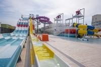 hoteles parque acuático Barcelona niños piscinas aquapark