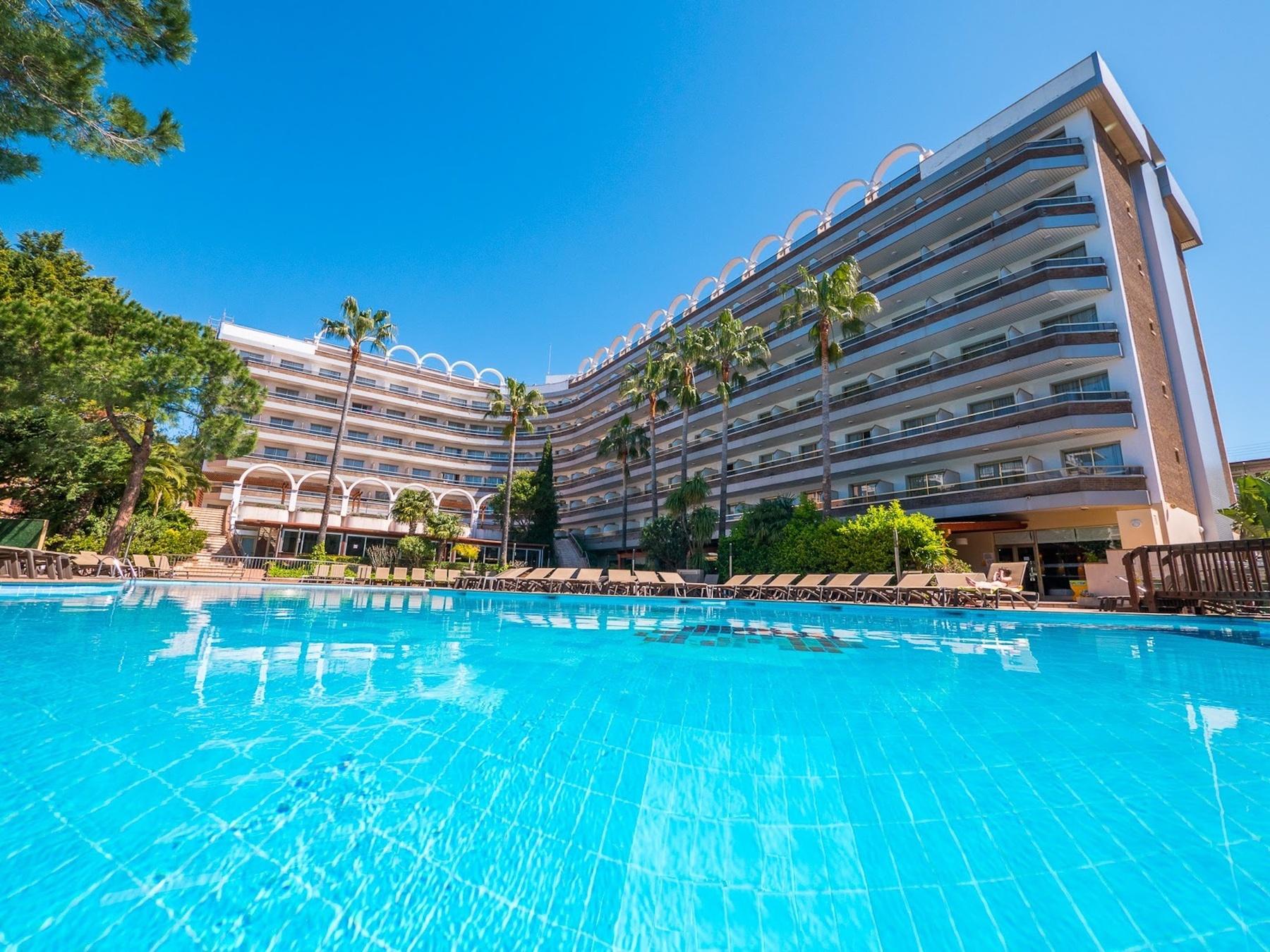 Golden Port Salou piscina Costa Dorada