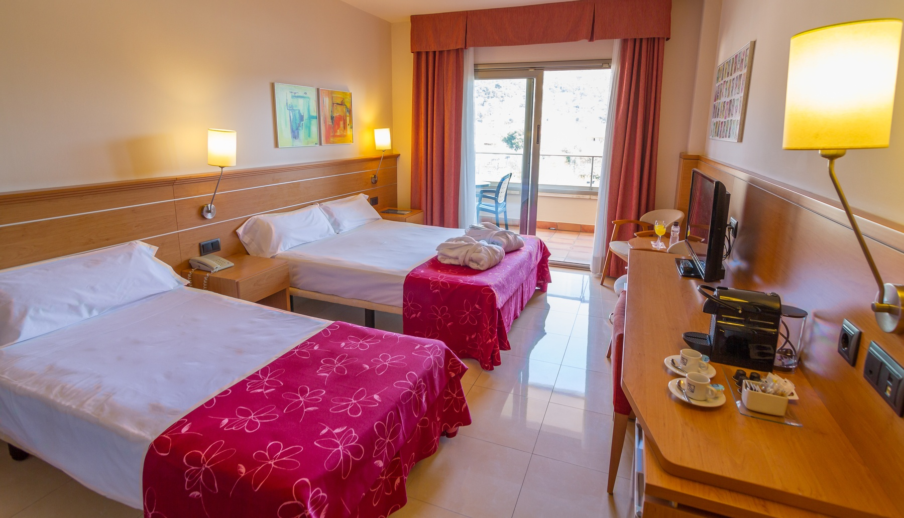 hôtel chambres famille Costa Brava grandes chambres
