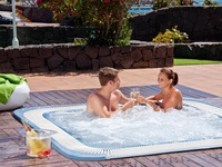Chill-out zona & jacuzzi outdoor