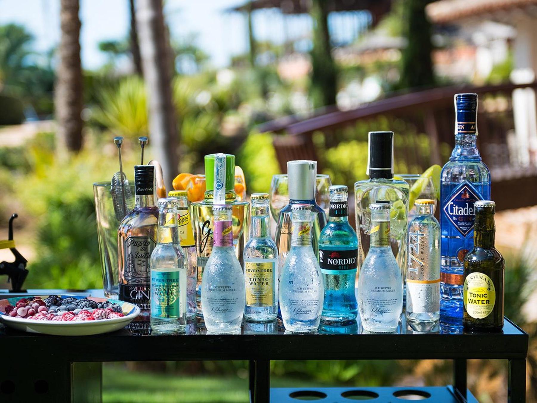 Bar terraza frente al golf