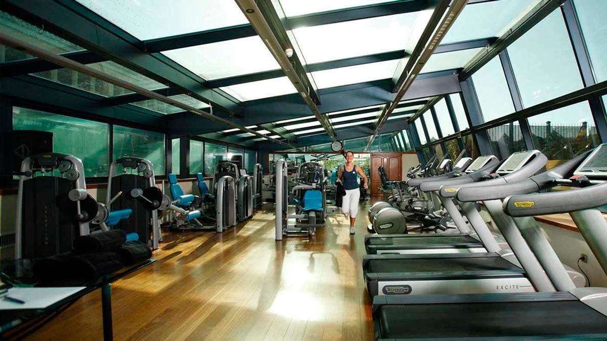 Club Fitness Aerobic Yoga