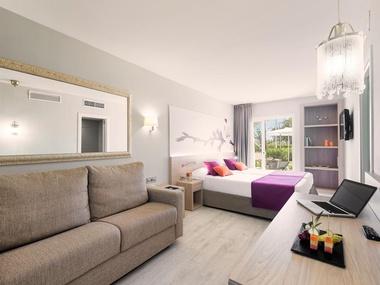 Double Superior Room Garden Holiday Village Hotel