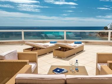 Superior Front Sea View Suite | Tropic Garden Aparthotel