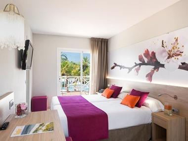 Single Room Garden Holiday Village Hotel