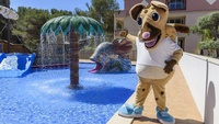 mascota Woogi | Garden Hotels
