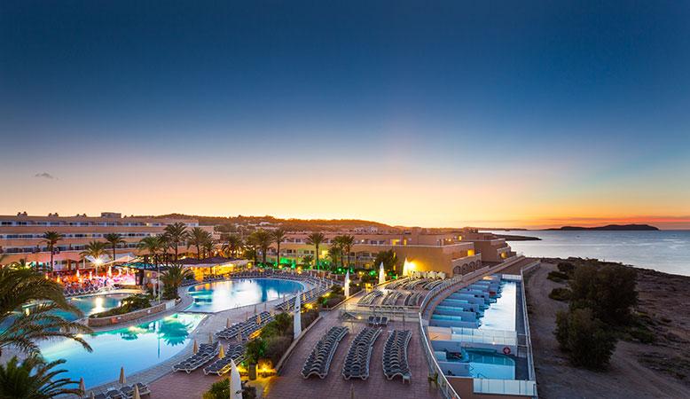 Conoce Sirenis Seaview Country Club Ibiza en 8 momentos
