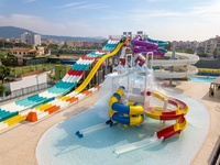 hotels water park Barcelona children swimming pools aquapark