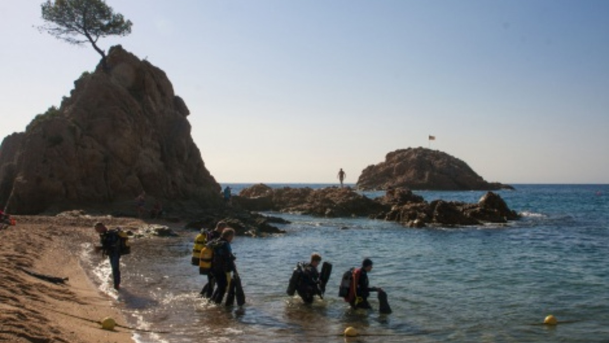 Activities Diving Costa Brava beach