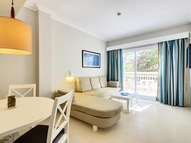 Standard Apartment Green Garden Aparthotel